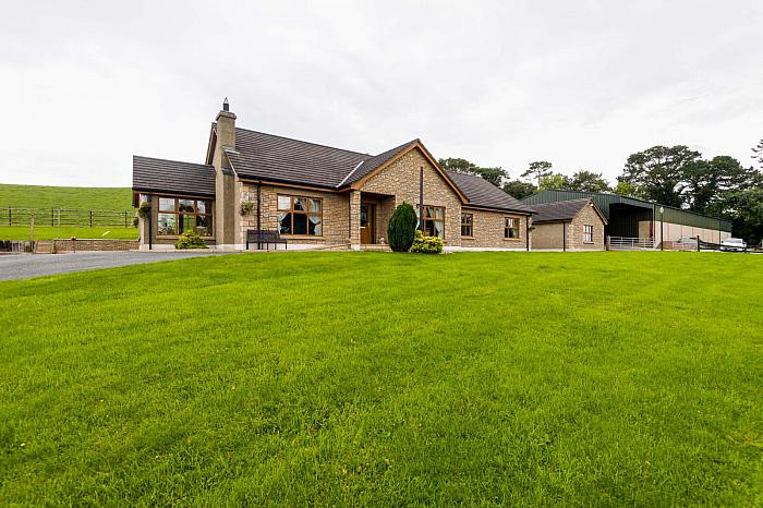 28 Newcastle Road, Ballynahinch, BT24 8NF