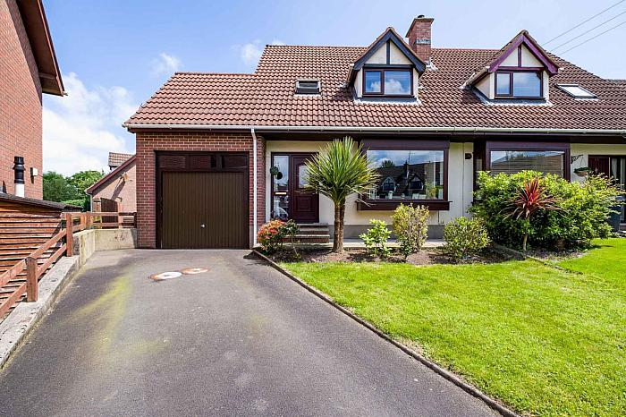 45 Meadowvale, Saintfield, BT24 7DW