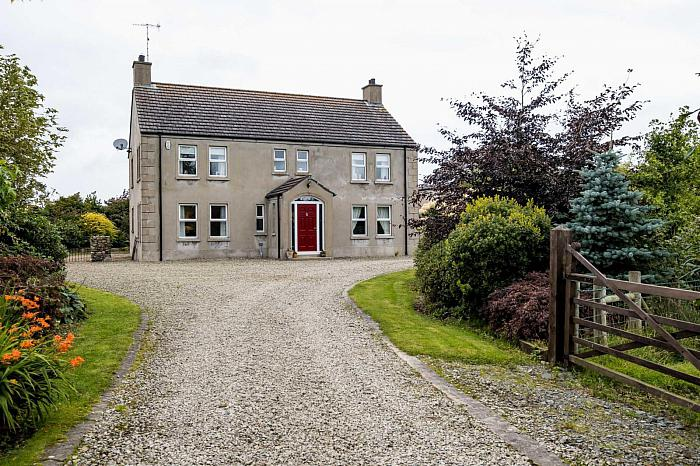 52 Magheralone Road, Ballynahinch, BT24 8SW