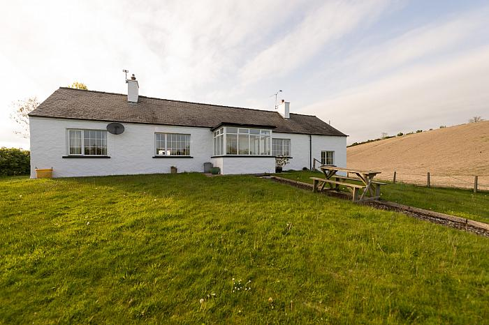 37 Tullymacnous Road, Killyleagh
