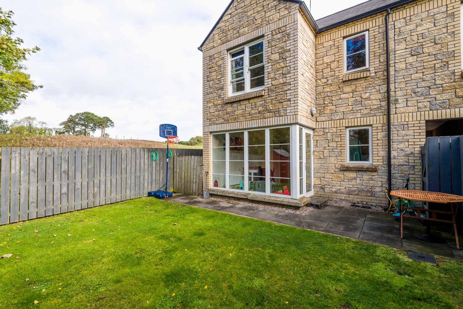 6 Saintfield Meadows