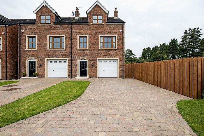 1 Rowallane Gate, Saintfield