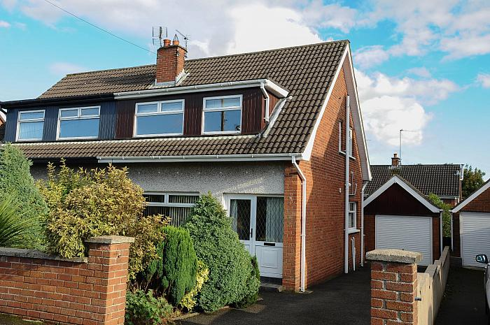 52 Marlborough Crescent, Carryduff, BT8 8