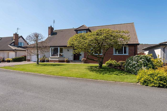 6 Rowallane Manor, Saintfield, BT24 7PE