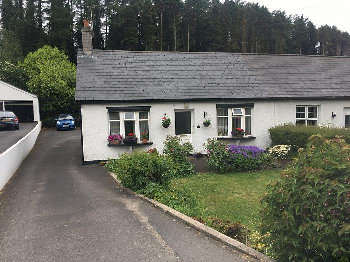 42 Belfast Road, Ballynahinch, BT24 8EB