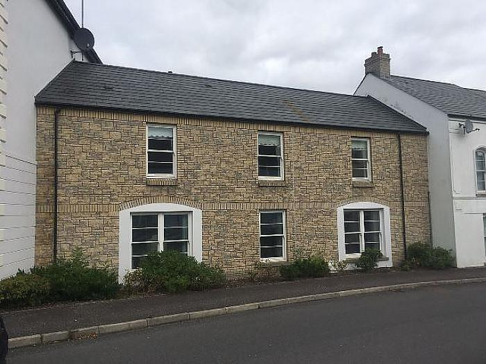 16 Mill Road, Saintfield, BT24 7FF
