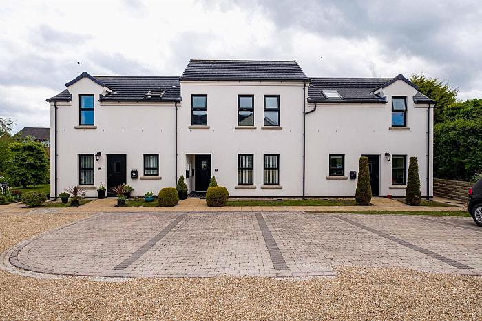 7 Fairview Court, Moneyreagh, BT23 6DU