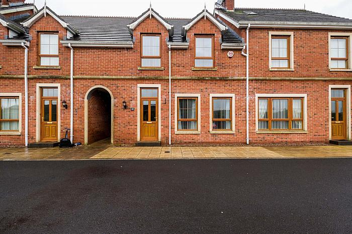 10 Forge Hill Close, Saintfield, BT24 7NJ