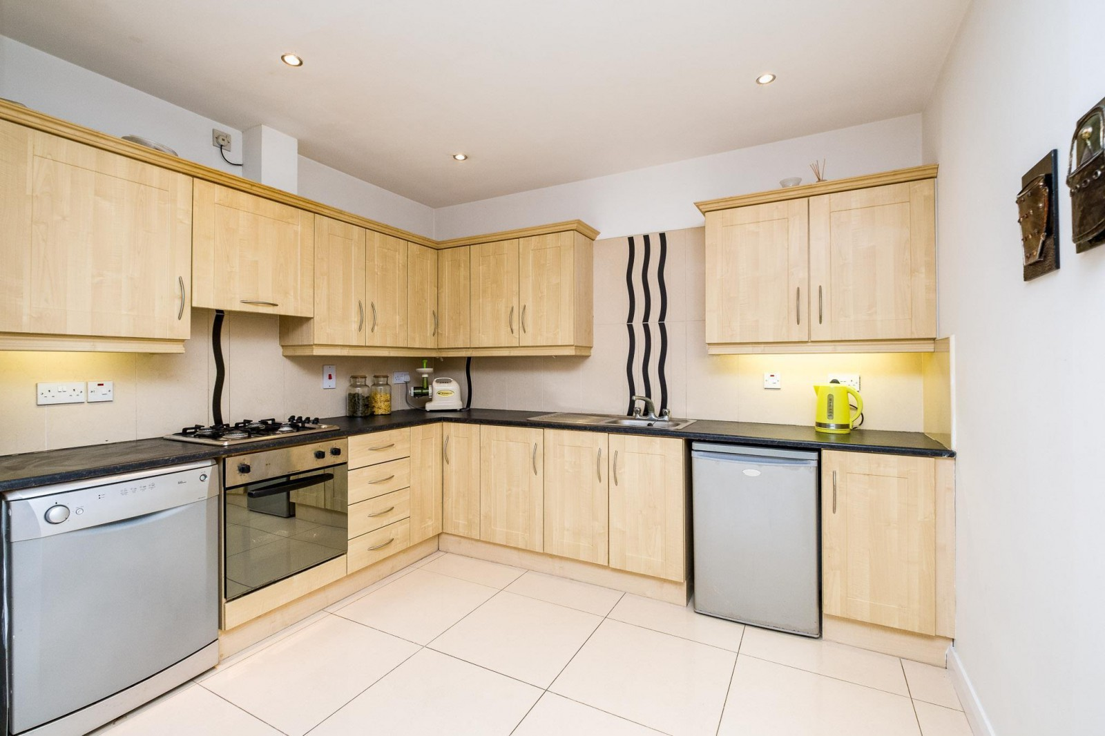 Apt 1 Garvey Mews, Off Longstone Street